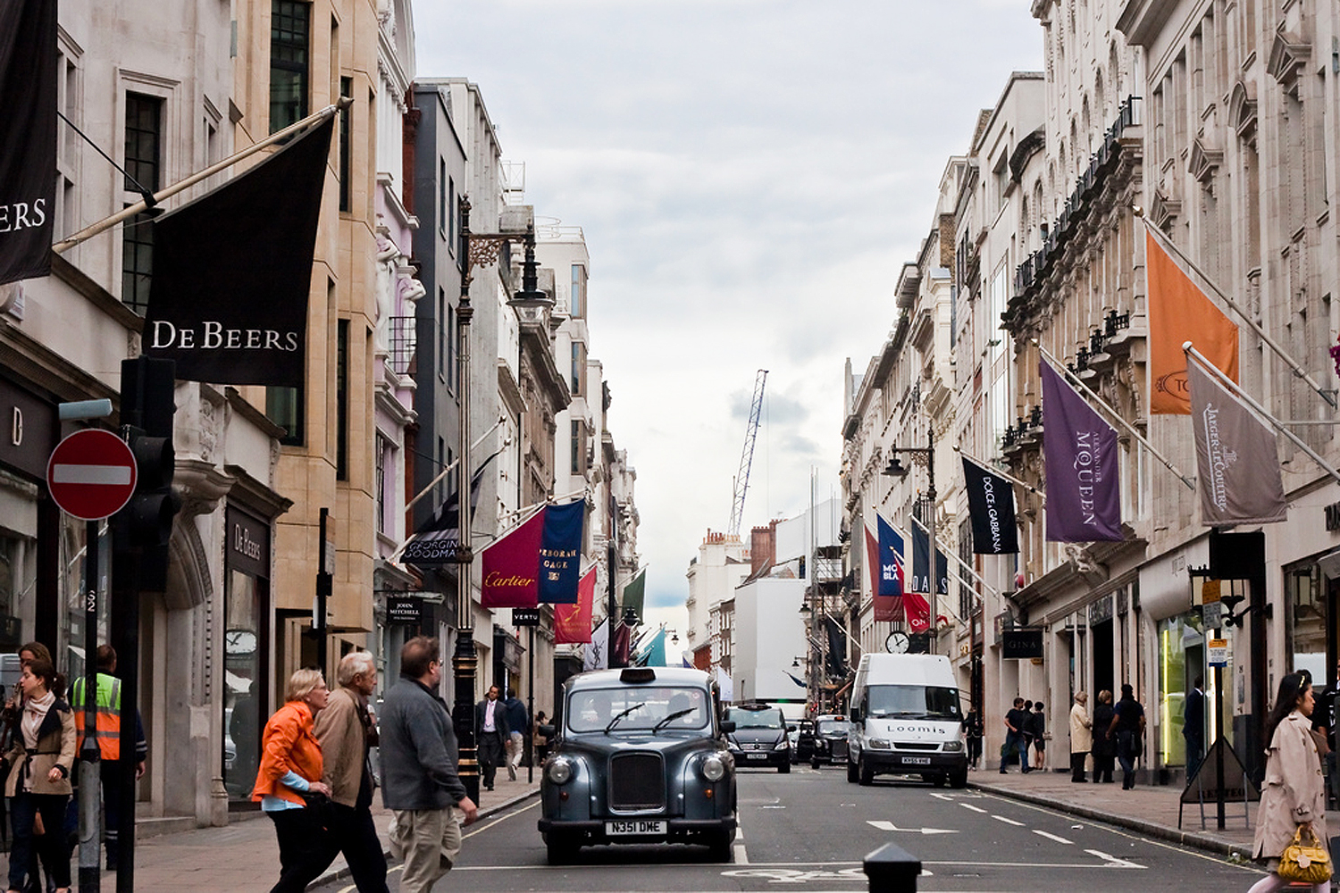 Bond Street One Of The Best Designer Shops In Mayfair
