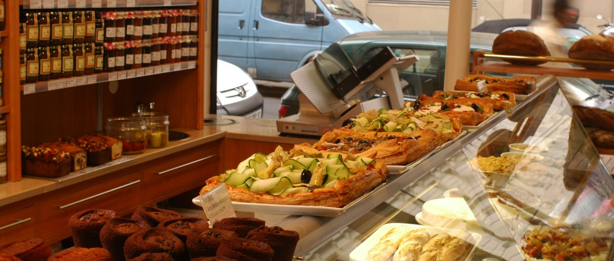 Bread and Roses - Cafes in Paris