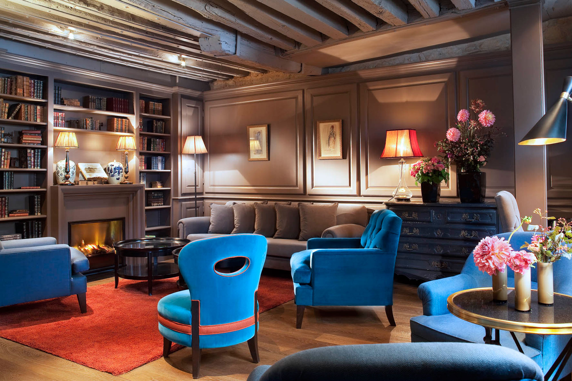 Hotel verneuil one of the best boutique hotels in saint for Paris boutiques hotels