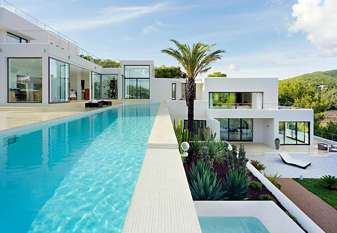 The best luxury villas to rent in ibiza hg2 for Pool design for villa