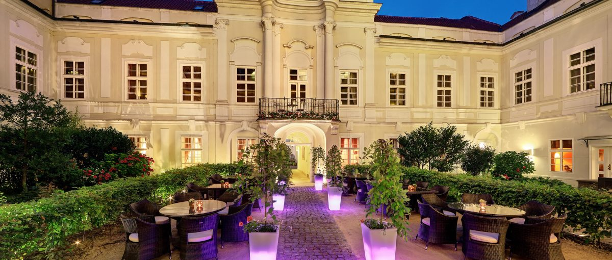 Smetana Hotel - A Traditional Romantic Boutique in Prague