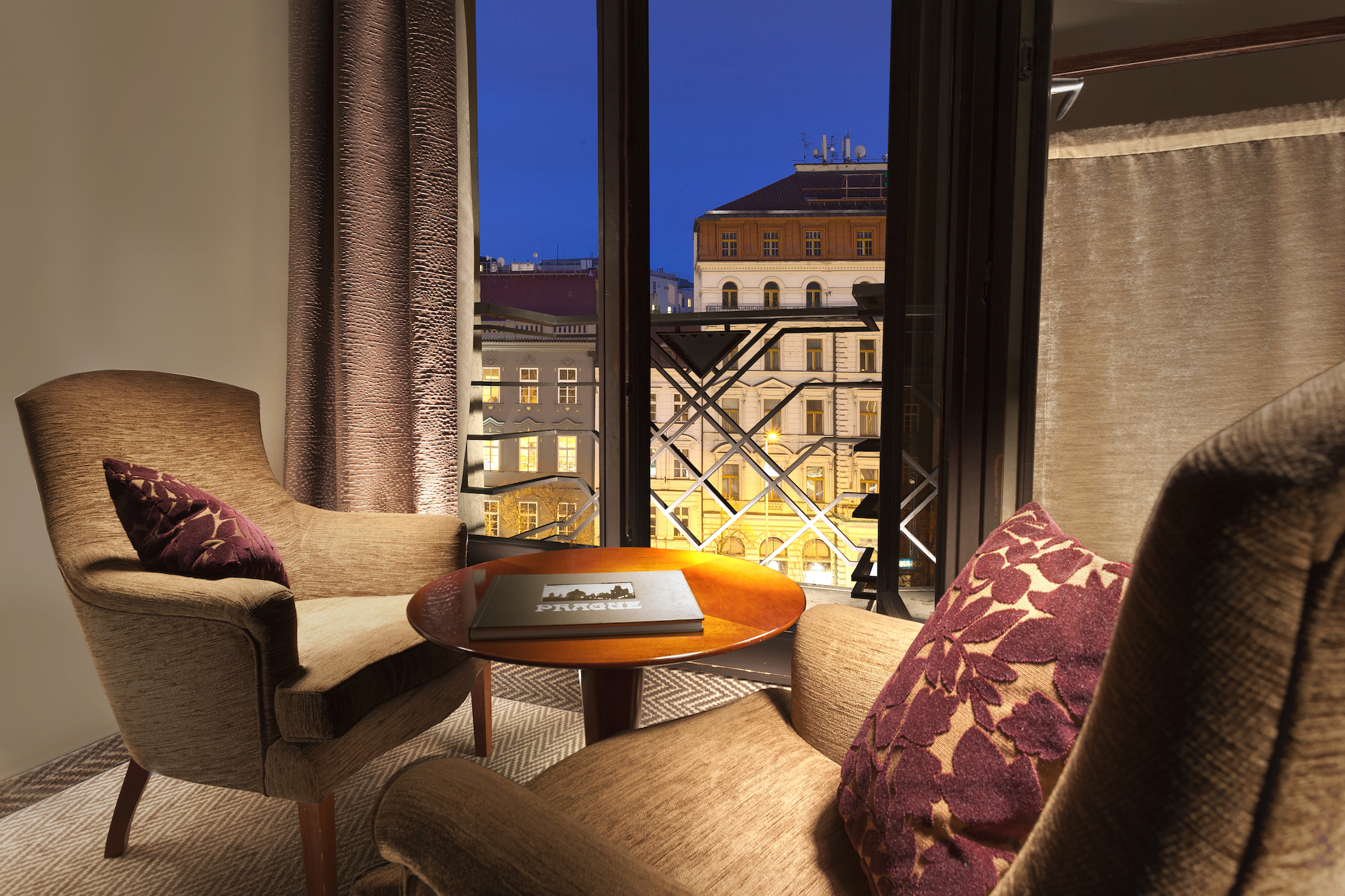 Jalta one of the best boutique hotels in nove mesto prague for Luxury boutique hotels prague