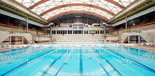 Piscine george vallerey one of the best swimming pools for Piscine quartier latin
