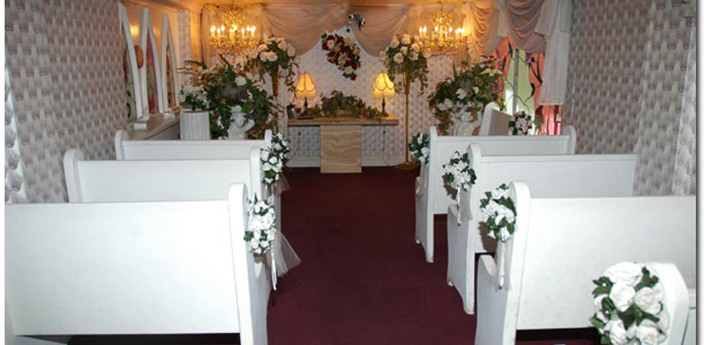 Little white wedding chapel one of the best churches in the strip explore this venue in our app mightylinksfo