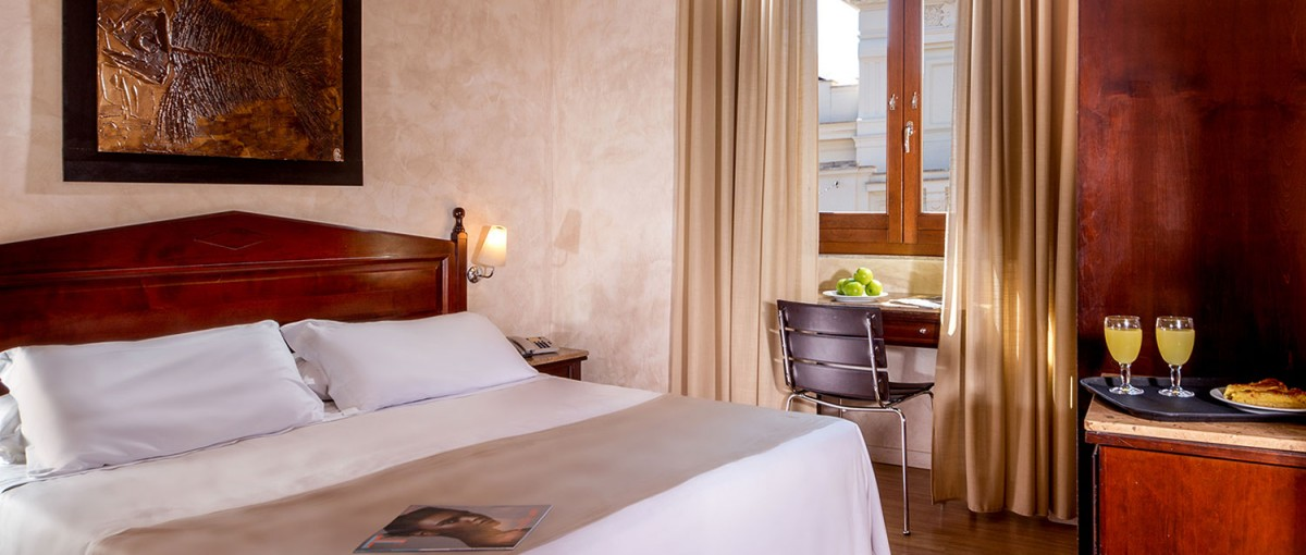 Hotel San Francesco - Budget Boutique Hotel in Rome